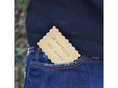 """Biscuits à message """"je rétrécis les jeans"""""""