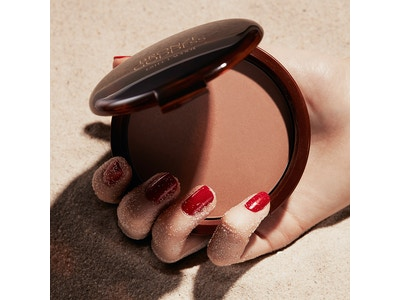 Prova l'iconica BRONZE GODDESS POWDER BRONZE !