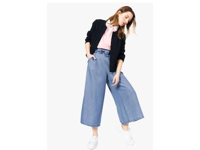 Pantalon femme large et court, en lyocell avec ceinture à nouer