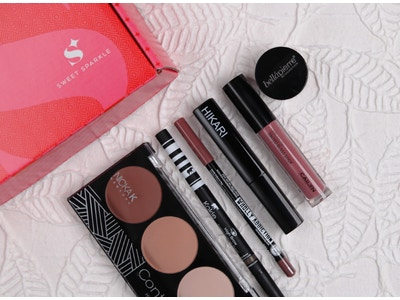 Simply Beautiful: Beauty Box (6 Product Bundle)