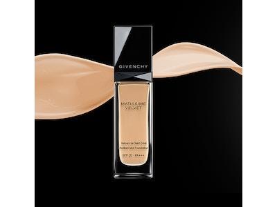 Givenchy Matissime Velvet Radiant Mattifying Fluid Foundation SPF 20