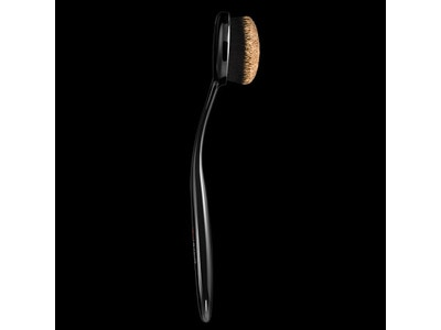 MATTE DEFINITION FOUNDATION BRUSH
