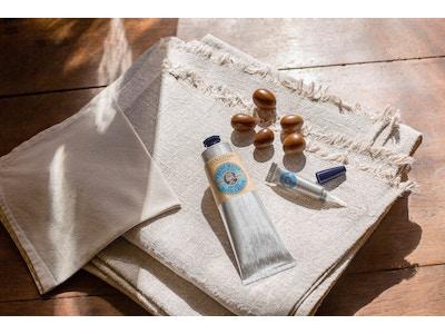 Routine Mains Douces : Cuticules + CrèmeMains/BaumeIntense